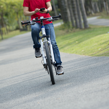 Stelling van de week: telefoonverbod op de fiets